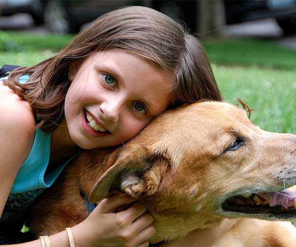How to Help Your Kids Deal With Their Pet's Death